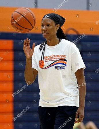 """Chamique Holdsclaw Former WNBA star and Olympic gold medalist Chamique Holdsclaw takes part in a youth basketball clinic, in Hendersonville, Tenn. Holdsclaw said she's getting her life back in order after a few months that felt like a """"mental prison"""" after an arrest last November"""