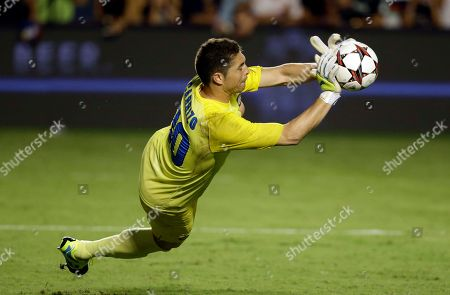 Juan Pablo Carrizo Inter Milan goalkeeper Juan Pablo Carrizo attempts to catch a penalty kick during the second half of the Guinness International Champions Cup soccer match against Juventus, in Miami