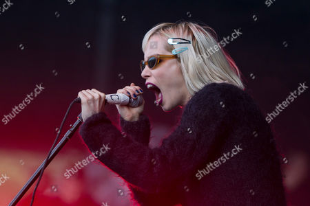 Alice Glass Alice Glass, vocalist for Canadian electronic band Crystal Castles performs during the Lollapalooza Festival in Chicago