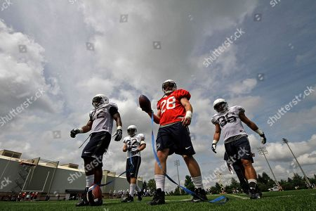 Akeel, Lynch, Jack Haffner, Zach Zwinak, Deron Thompson Penn St running backs Akeel Lynch (22), Jack Haffner (32), Zach Zwinak, and Deron Thompson finish a drill during the NCAA college football team's practice in State College, Pa