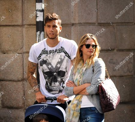 Editorial photo of Ricky Alvarez and family out and about, Milan, Italy - 04 Oct 2016
