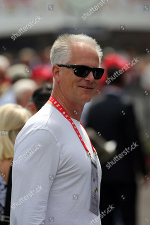 Kenny Mayne ESPN personality Kenny Mayne is seen in the paddock at Churchill Downs, in Louisville, Ky. Saturday will be the 139th running of the Kentucky Derby