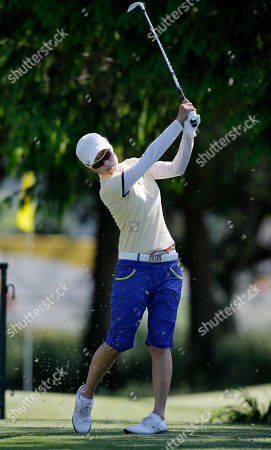 Sun Young Yoo Sun Young Yoo, of South Korea, watches her tee shot on the 17th hole during the second round of the ShopRite LPGA Classic golf tournament in Galloway Township, N.J