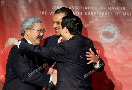 Edwin Lee, Antonio Villaraigosa, Wang Anshun Los Angeles Mayor Antonio Villaraigosa, center, introduces San Francisco Mayor Edwin Lee, left, and Beijing Mayor Wang Anshun, as they attend the seventh annual Sino-U.S. Mayors Summit in Los Angeles . The United States Conference of Mayors (USCM), the Chinese Association of Mayors (CAM), China Center for International Economic Exchanges and the Paulson Institute are co-hosting the one-day summit to discuss two-way trade and investment opportunities between China and the United States