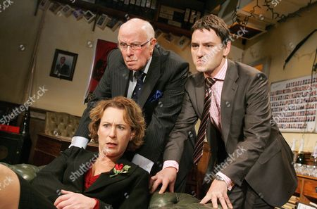 Helen Schlesinger ( Delia ) Richard Wilson ( Chief ) Lee Ross ( Tim )