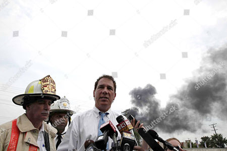 John Hohman, Jeffrey Segal, Kevin Kamenetz Baltimore County Executive Kevin Kamentz stands with Baltimore County Fire Chief John J. Hohman, left, and Assistant Fire Chief Jeffrey Segal as he speaks to reporters about the White Marsh train derailment in Rosedale, Md