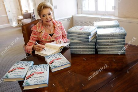 """Mary Higgins Clark Author Mary Higgins Clark sign copies of her latest book """"Daddy's Gone A Hunting"""" at the Simon & Schuster office in New York. Her current book is a vintage Clark thriller featuring women in distress, mysterious pasts and secret identities. It's about a deadly explosion that destroys a family furniture business in Long Island City"""