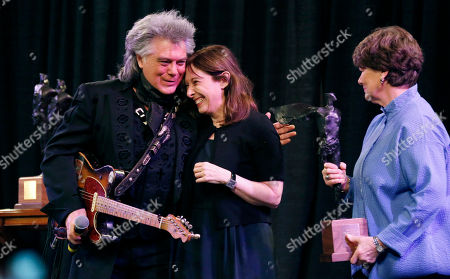 Marty Stuart, Beth Henley Marty Stuart, a 5-time Grammy winner and Grand Ole Opry star hugs 2013 Governor's Arts Award for Excellence in Literature recipient Beth Henley during ceremonies in Jackson, Miss., . Established in 1988, the Governor's Arts Awards recognize those who have made noteworthy contributions to and achieved artistic excellence in the state or have significant ties to Mississippi
