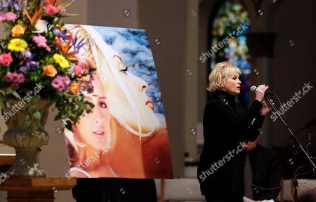 """Lorrie Morgan Lorrie Morgan sings """"Ave Maria"""" during a memorial service for country singer Mindy McCready, in Nashville, Tenn. McCready committed suicide Feb. 17 in Heber Springs, Ark"""