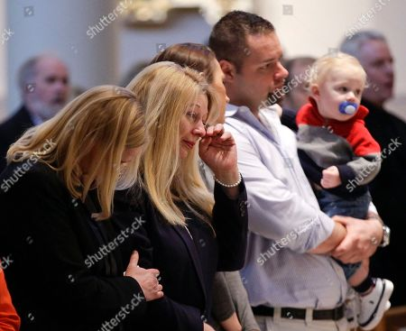 Gayle Inge Gayle Inge, second from left, mother of country singer Mindy McCready, attends a memorial service for McCready with family and friends, in Nashville, Tenn. McCready committed suicide Feb. 17 in Heber Springs, Ark
