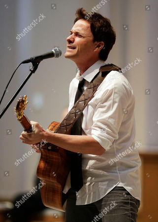 Bryan White Bryan White performs during a memorial service for fellow country singer Mindy McCready, in Nashville, Tenn. McCready committed suicide Feb. 17 in Heber Springs, Ark