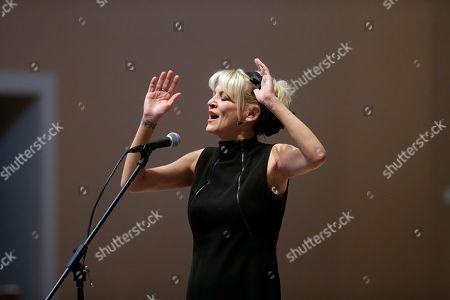 Bekka Bramlett Bekka Bramlett sings during a memorial service for country singer Mindy McCready, in Nashville, Tenn. McCready committed suicide Feb. 17 in Heber Springs, Ark