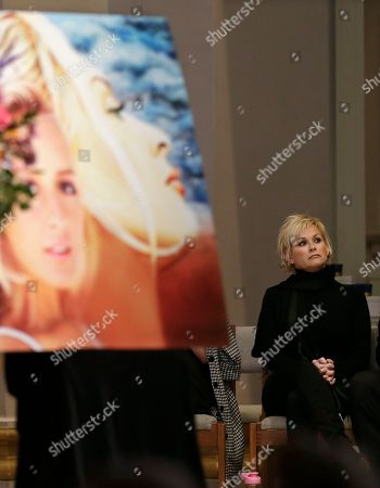 Lorrie Morgan Lorrie Morgan attends a memorial service for country singer Mindy McCready, in Nashville, Tenn. McCready committed suicide Feb. 17 in Heber Springs, Ark