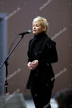 "Lorrie Morgan Lorrie Morgan sings ""Ave Maria"" during a memorial service for country singer Mindy McCready, in Nashville, Tenn. McCready committed suicide Feb. 17 in Heber Springs, Ark"