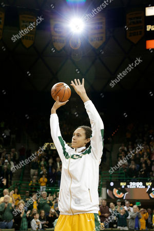 Brittney Griner Baylor 's Brittney Griner acknowledges cheers from fans during a pregame ceremony before an NCAA college basketball game against Texas, in Waco, Texas. Griner was honored before the game for becoming the eighth Division I woman with 3,000 career points in Monday's win at No. 3 Connecticut. She moved up to No. 5 on the career list, passing Cindy Blodgett (Maine), Cheryl Miller (Southern California) and Chamique Holdsclaw (Tennessee). She's six points behind UConn's Maya Moore