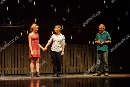 Kirsty Oswald (Rosie Price), Imogen Stubbs (Fran Price), Ewan Stewart (Bob Price)