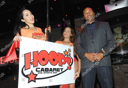 Editorial photo of Former Giants Star Antonio Pierce at Grand Opening of Hoops, New York, USA - 06 Oct 2016