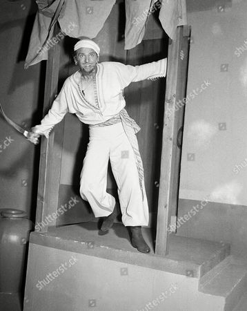 Douglas Fairbanks, Jr., portrays Sinbad the sailor in his first movie since leaving the Navy, 1946