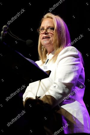 Mary Chapin Carpenter Mary Chapin Carpenter speaks as she is inducted into the Nashville Songwriters Hall of Fame, in Nashville, Tenn