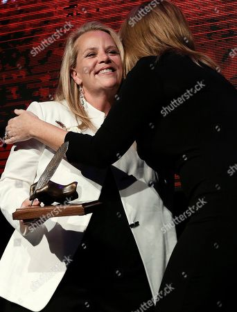 Mary Chapin Carpenter, Trisha Yearwood Mary Chapin Carpenter is congratulated by Trisha Yearwood, right, after Carpenter was inducted into the Nashville Songwriters Hall of Fame, in Nashville, Tenn