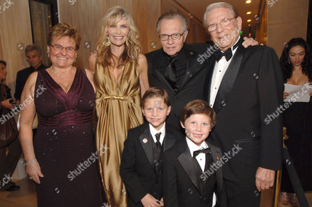 Claude Mann, Shawn Southwick-King, Larry King, Alfred Mann and King's sons Cannon Edward King and Chance Armstrong King