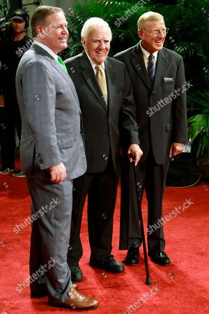 Brian Kelly, Ara Parseghian, Lou Holtz Notre Dame head coach Brian Kelly, left, stands for a photo with former Notre Dame coaches Ara Parseghian, center, and Lou Holtz, right, before the Home Depot College Football Awards in Lake Buena Vista, Fla
