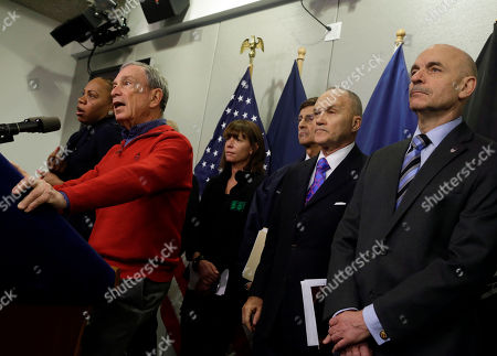Michael Bloomberg, Janette Sadik-Khan, Ray Kelly, Joseph Bruno, Salvatore Cassano New York Mayor Michael Bloomberg, left, briefs the media about the pending snow storm, at New York City's Office of Emergency Management, . He is accompanied by Dept. of Transportation Commissioner Janette Sadik-Kahn, OEM Commissioner Joseph Bruno, third left, Police Commissioner Ray Kelly, second from right, and Fire Commissioner Salvatore Cassano. Snow began to fall as a massive blizzard headed for the American Northeast on Friday, sending residents scurrying to stock up on food and supplies ahead of a storm poised to dump up to 3 feet of snow from New York City to Boston and beyond
