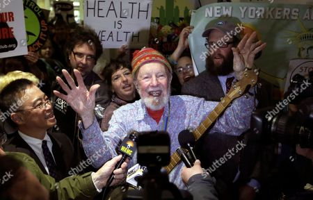 Pete Seeger Folk singer Pete Seeger performs during an anti-hydraulic fracturing rally before New York Gov. Andrew Cuomo delivers his State of the State address at the Empire State Plaza Convention Center, in Albany, N.Y