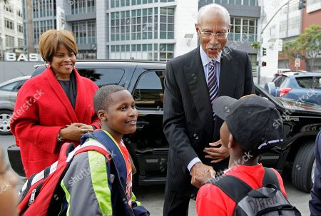 Dave Bing Detroit Mayor Dave Bing, right, and his wife Yvette, left, are met by members of the Junior Giants during a visit to AT&T Park, in San Francisco. Bing made good on his World Series wager with San Francisco Mayor Ed Lee wherein the two vowed the leader of the losing team's city would tour economic ventures and perform some community service involving young people. The Giants swept the Tigers in four baseball games