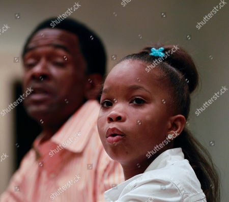 """Quvenzhané Wallis, Dwight Henry Actress Quvenzhané Wallis, right, and actor Dwight Henry, first time actors who play the starring roles in the movie """"Beasts Of The Southern Wild,"""" speak during an interview in New Orleans"""