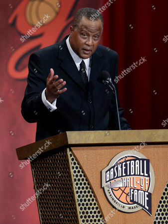 Jamaal Wilkes Inductee Jamaal Wilkes speaks during the enshrinement ceremony for the 2012 class of the Naismith Memorial Basketball Hall of Fame at Symphony Hall in Springfield, Mass