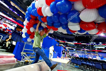 Ron Darling Ron Darling and other riggers load nets full of balloons for the Republican National Convention festivities inside the Tampa Bay Times Forum, in Tampa, Fla