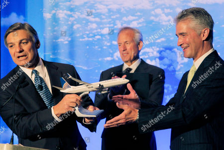 Jeff Smisek, Jim McNerney, Ray Conner Boeing Commercial Airplanes CEO Ray Conner, presents a model of Boeing's new 737 Max 9 to United Airlines CEO Jeff Smisek during a news conference as Boeing CEO Jim McNerney looks, in Chicago. United Airlines and Boeing announce that United is buying 150 Boeing 737s, and is planning to use them to replace older planes that are not as fuel efficient