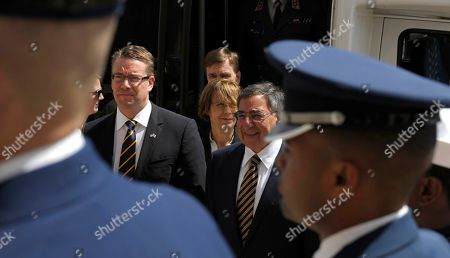 Stock Picture of Leon Panetta, Stefan Wallin Defense Secretary Leon Panetta hosts an honor cordon to welcome Finland's Defense Minister Stefan Wallin, at the Pentagon