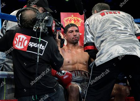 Winky Wright Winky Wright sits in his corner after the eighth round of a middleweight boxing match against Peter Quillin in Carson, Calif., . Quillin won by unanimous decision after the 10th round