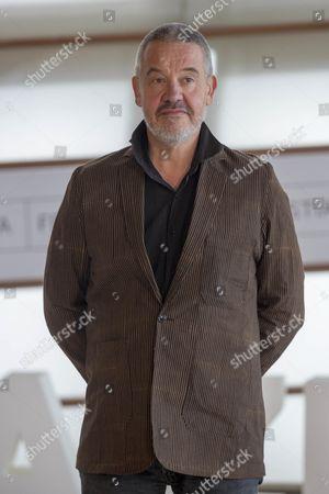 Arnaud des Pallieres poses