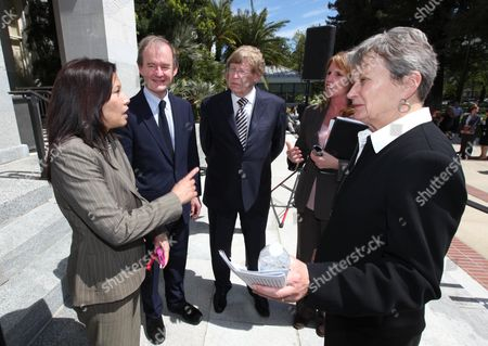 Tani Cantile-Sakauye, David Boies, Theodore Olson, Noreen Evans, Loni Hancock California Supreme Court Chief Justice Tani Cantile-Sakauye, left, talks with attorneys David Boies, left, Theodore Olson, second from left, Sen. NoreenEvans, D-Santa Rosa, third for left, and Sen. Loni Hancock, D-Berkeley, after a news conference where they discussed the decline of the states judicial system, at the Capitol, in Sacramento, Calif., . Cantil-Sakauye warned that state budget cuts to the court system is making justice inaccessible for average people
