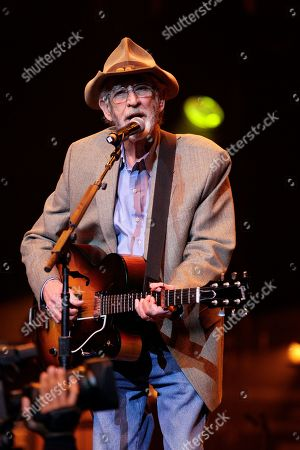 Don Williams Don Williams performs during the All for the Hall concert, in Nashville, Tenn. The concert is a benefit for the Country Music Hall of Fame and Museum