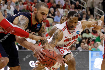 Robert Sacre, Lenzelle Smith Gonzaga's Robert Sacre, left, scrambles for a loose ball with Ohio State's Lenzelle Smith during the second half of an NCAA tournament third-round college basketball game in Pittsburgh, . Ohio State won 73-66