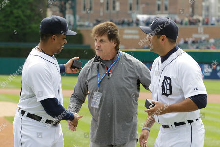 Octavio Dotal, Tony LaRussa, Gerald Laird Former St. Louis manager Tony LaRussa gives Detroit Tigers pitcher Octavio Dotel, left, and Tigers catcher Gerald Laird their World Series rings before the start of the baseball game between the Detroit Tigers and the Texas Rangers in Detroit, . Dotel and Laird were members of the Cardinals when they won the World Series