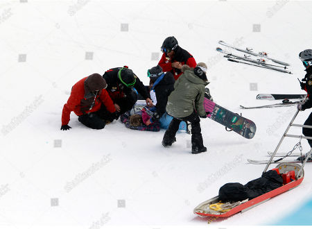 Hannah Teter Hannah Teter is tended to after a crash in the women's halfpipe finals at the U.S. Open Snowboarding Championships in Stratton, Vt., on
