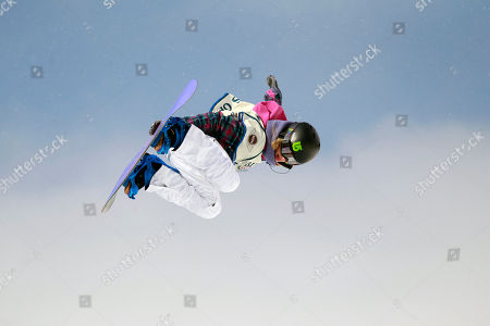 Hannah Teter Hannah Teter competes in the women's halfpipe finals at the U.S. Open Snowboarding Championships in Stratton, Vt., on