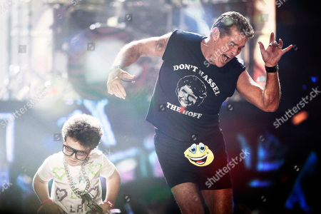David Hasselhoff, Keenan Cahill David Hasselhoff, right, and Keenan Cahill dance onstage while LMFAO performs at the 39th Annual American Music Awards on in Los Angeles