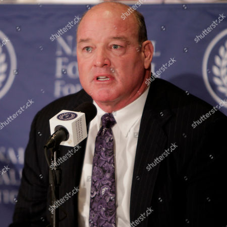Marty Lyons Former Alabama defensive tackle Marty Lyons speaks during a news conference in New York, . Lyons was one of 14 players and two coaches to be part of the 2011 College Football Hall of Fame class
