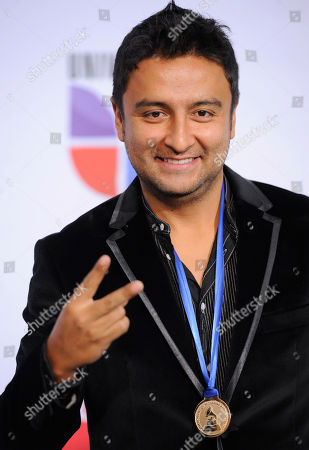 """Alex Campos Alex Campos, winner of the best christian album, spanish language, for """"Lenguaje De Amor,"""" arrives at the 12th Annual Latin Grammy Awards on in Las Vegas"""