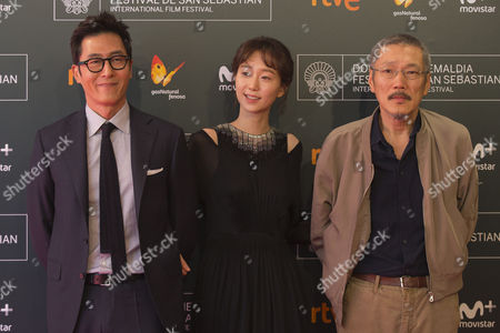 Hong Sang-soo, Kim Joo-hyuk, Lee You-young poses