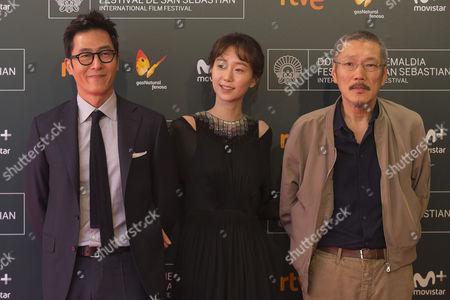 Hong Sang-soo, Kim Joo-hyuk, Lee You-young poses