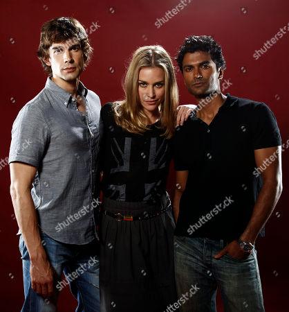 """Christopher Gorham, Piper Perabo, Sendhil Ramamurthy Cast members Christopher Gorham, left, Piper Perabo, center, and Sendhil Ramamurthy, from """"Covert Affairs"""", pose for a portrait at the LMT Music Lodge during Comic Con in San Diego"""