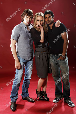 """Christopher Gorham, Piper Perabo, Sendhil Ramamurthy Cast members Christopher Gorham, left, Piper Perabo, center, and Sendhil Ramamurthy, from """"Covert Affairs"""", poses for a portrait at the LMT Music Lodge during Comic Con in San Diego"""