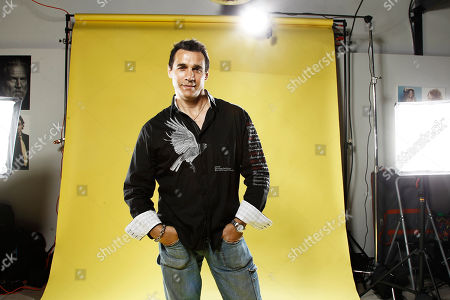 Adrian Paul Actor Adrian Paul, poses for a portrait at the LMT Music Lodge during Comic Con in San Diego